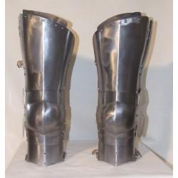 Jambes d'armure XIV eme siecle